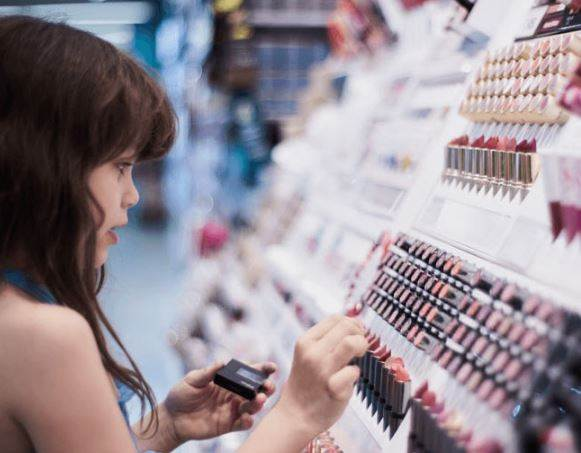 Identify these five ways to avoid buying fake makeup products