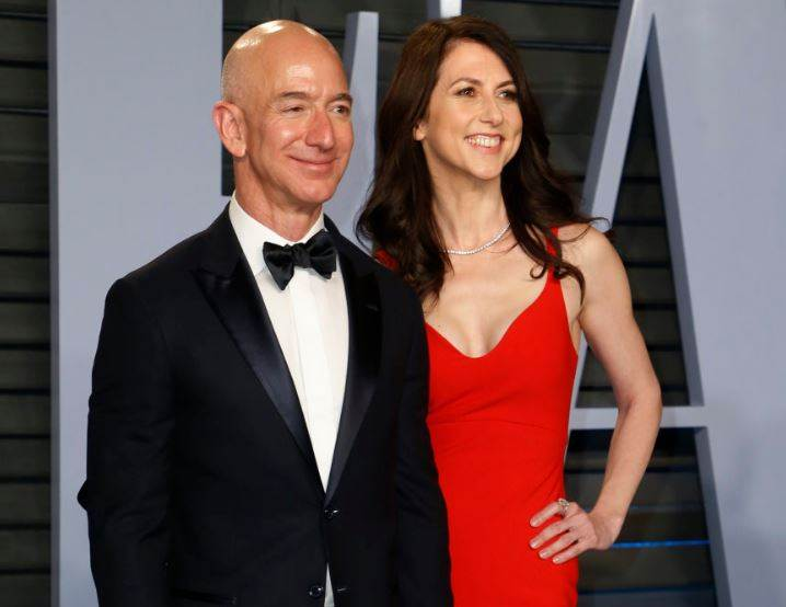 Jeff Bezos You Maybe The Richest But Not The Happiest Like Bill Gates